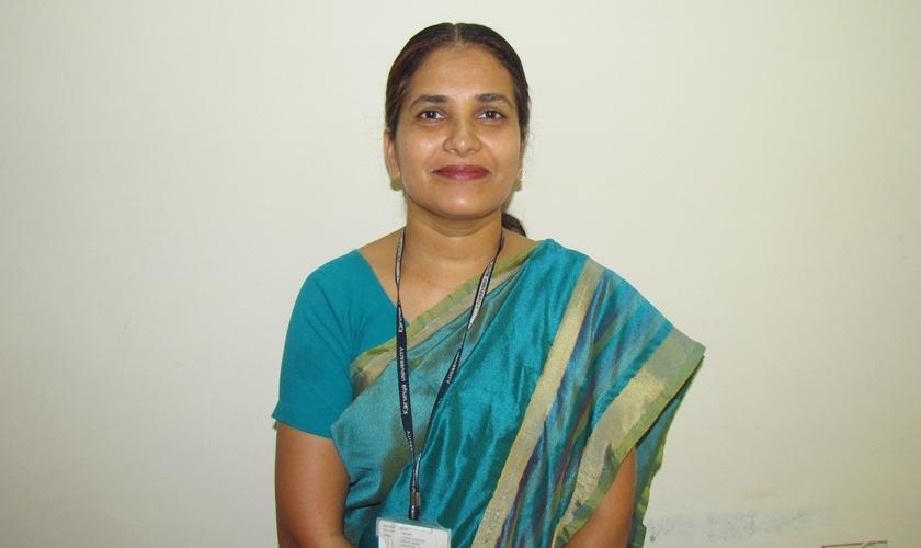 Hoje Parameswari Arun é professora universitária e doutora em química. (Foto: Reprodução / God Reports)