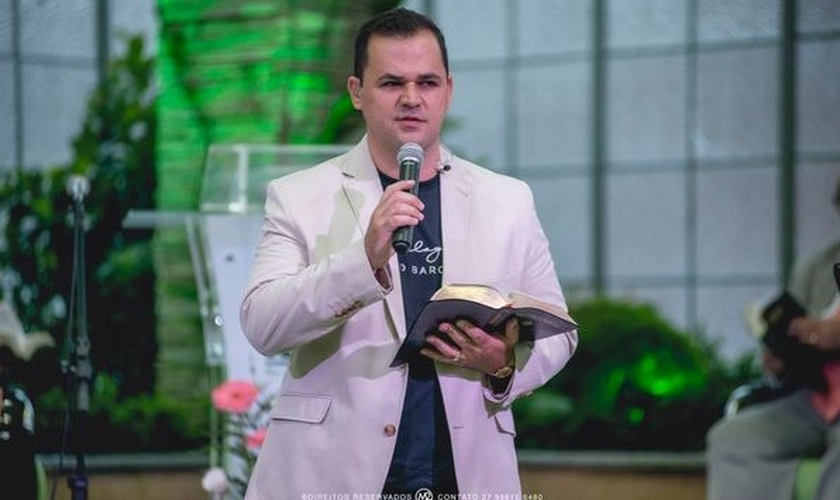 Pedro Barcelos hoje é pastor e testemunha o milagre que viveu. (Foto: Arquivo Pessoal)