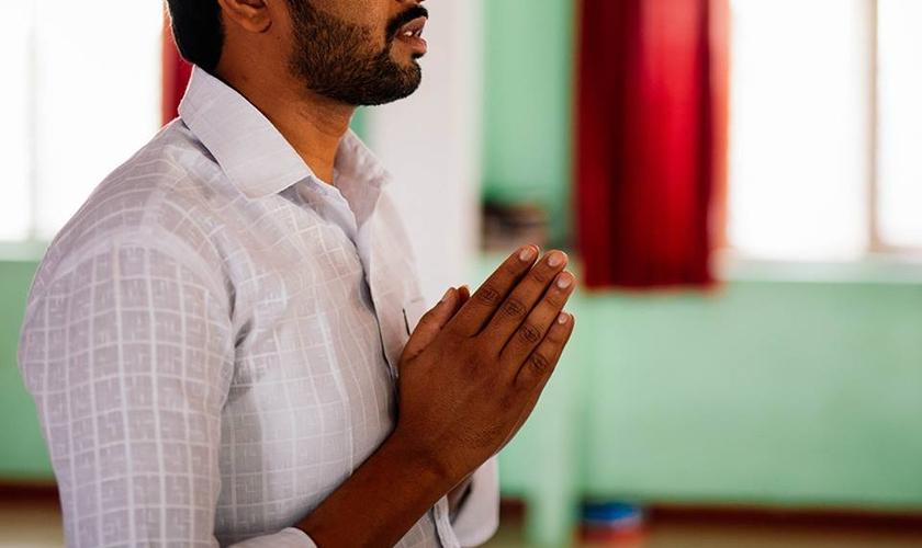 Governada por um partido fundamentalista hindu, a Índia também vive a realidade da intolerância religiosa por parte dos animistas tribais, que frequentemente atacam cristãos. (Foto: Mission Network News)