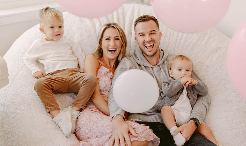 O pastor Rich Wilkerson Jr. e sua esposa, DawnCheré, esperam pelo 3º filho, uma menina. (Foto: Yesi/Simply Lively)