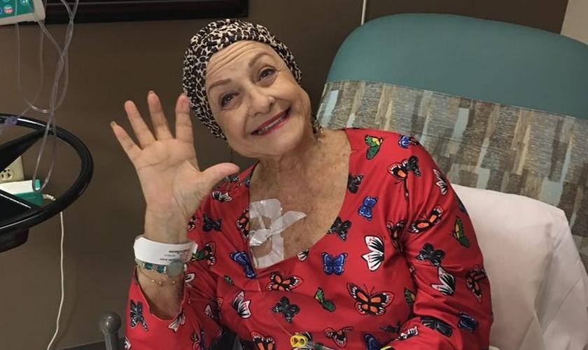 Michelle Arrigo durante sessão de tratamento contra o câncer. (Foto: Loma Linda University Health)