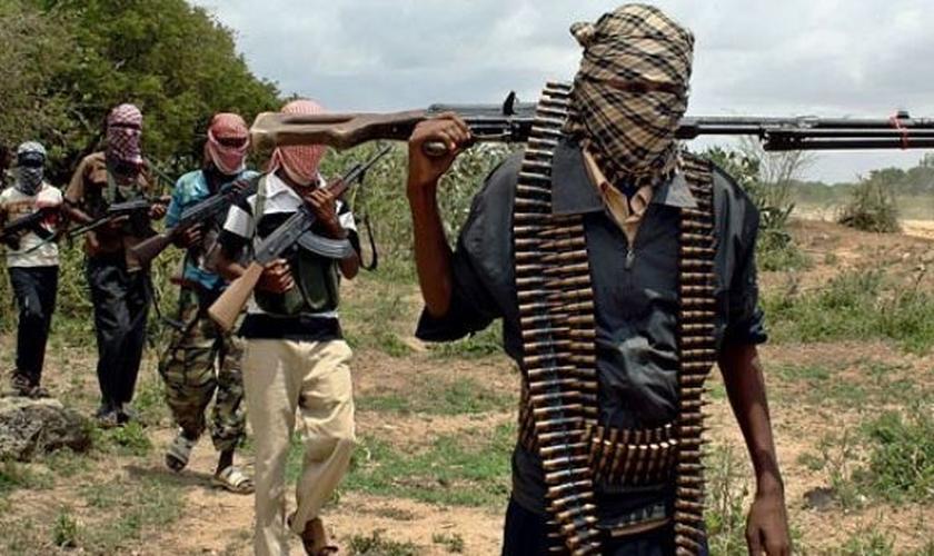 O grupo terrorista Boko Haram pratica ataques em regiões de países africanos, como Nigéria, Níger, Chade e Camarões. (Foto: AFP)