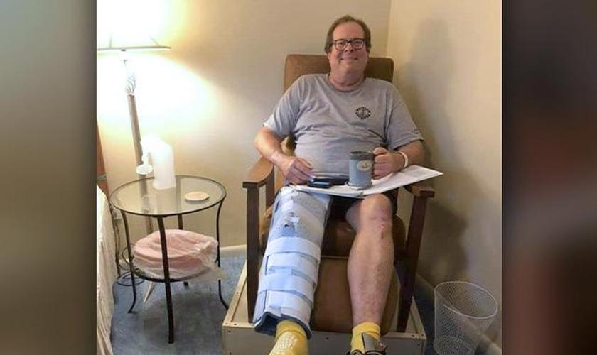 Stuart passou por 13 cirurgias e conseguiu voltar a andar, após um grave acidente de moto. (Foto: Arquivo Pessoal / CBN News)