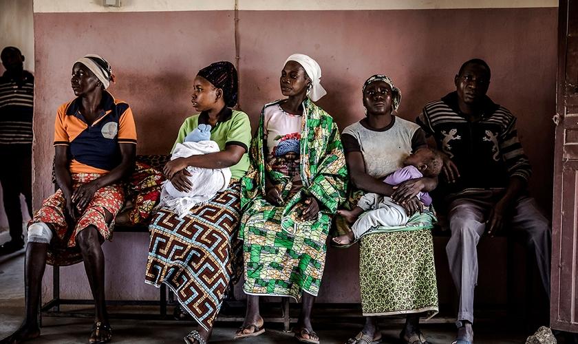 Grupo de agricultores afetados por recentes ataques Fulani em suas aldeias no estado de Kaduna, na Nigéria. (Foto: Luis Tato/AFP/Getty Images)