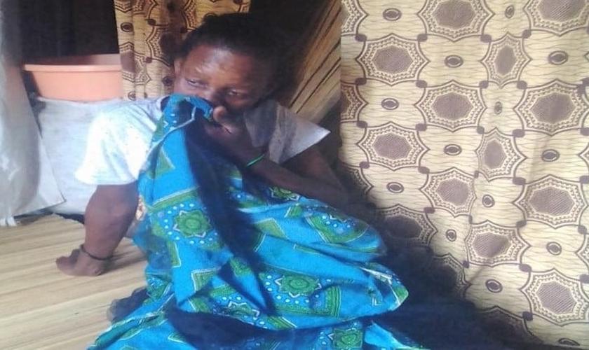 Mansitula Buliro disse que, como retaliação, seu marido cortou sua boca e se divorciou dela. (Foto: Reprodução / Morning Star News)