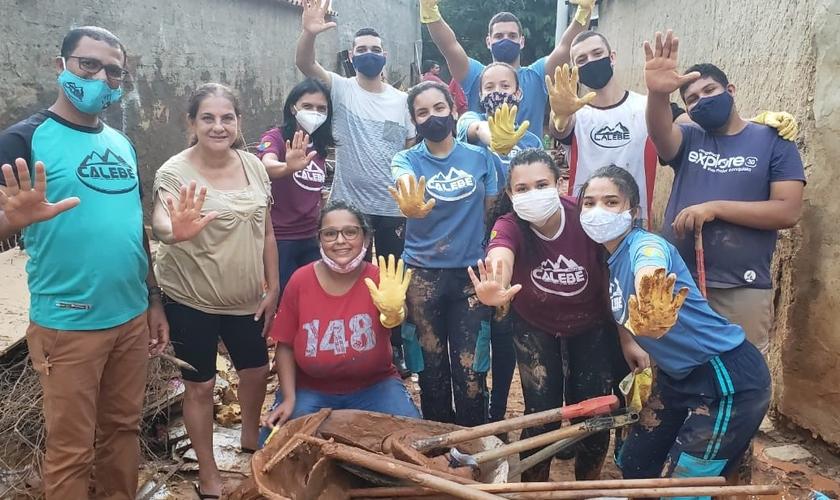Grupo conseguiu limpar 25 casas de moradores da cidade. (Foto: Divulgação)