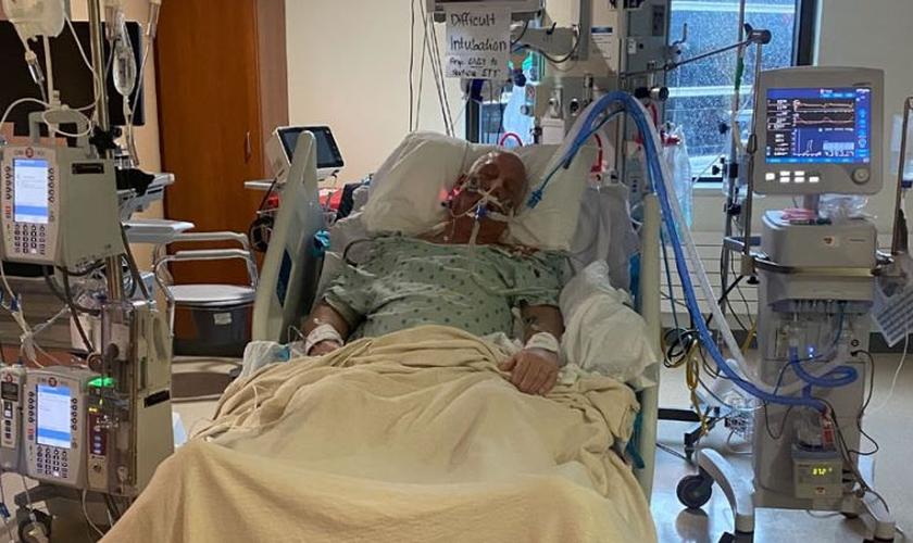 O pastor Greg Mundis sobreviveu a um estado grave de Covid-19. (Foto: AG News)