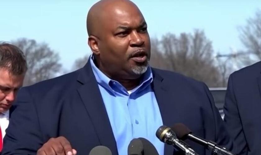 Mark Robinson, vice-governador eleito da Carolina do Norte. (Foto: Reprodução / GOD TV)