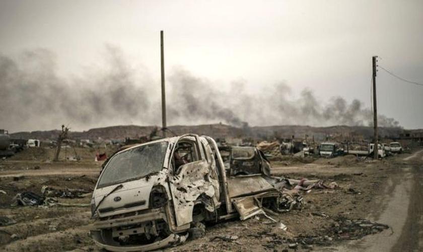 Mesmo declarado derrotado, Estado Islâmico tem realizado centenas de ataques na Síria na região de Deir al-Zour | Imagem de 2019 (Foto: AFP)