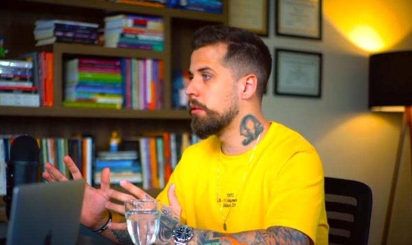 Pastor Lipão em conversa com Douglas Gonçalves. (Foto: Reprodução/YouTube/JesusCopy)