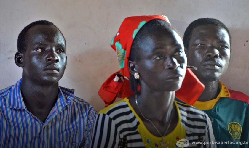 Cristãos camaroneses enfrentam hostilidade e insegurança, mas não abandonam Jesus. (foto: Portas Abertas)