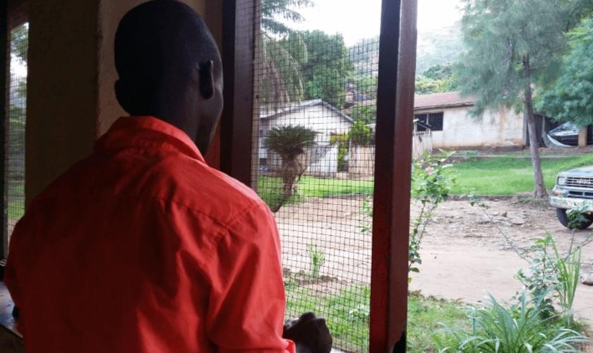 No Congo, quem se decide por Cristo pode ter sua casa destruída e ser perseguido até a morte. (Foto: Portas Abertas)