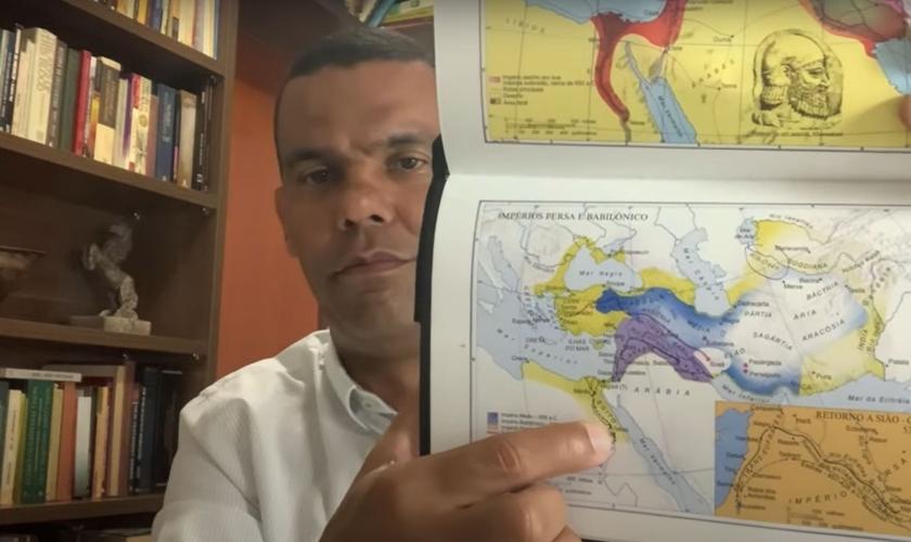 Rodrigo Silva fala sobre o mistério da localização do jardim do Éden.  (Foto: Reprodução/YouTube/Rodrigo Silva Arqueologia)