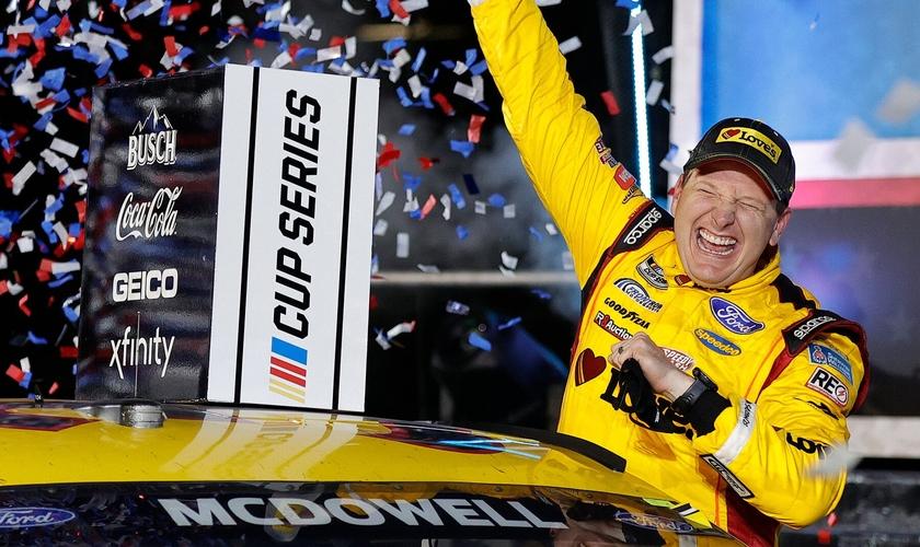 Michael McDowell ganhou o Daytona 500, uma corrida da NASCAR na Flórida. (Foto: Jared C. Tilton/Getty Images)