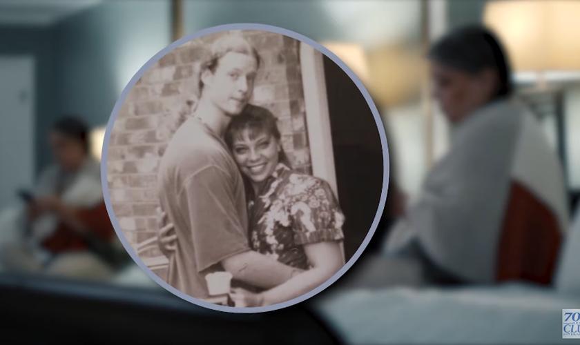 BJ Garrett e seu marido, Jay, em foto da juventude. (Foto: 700 Club Interactive)