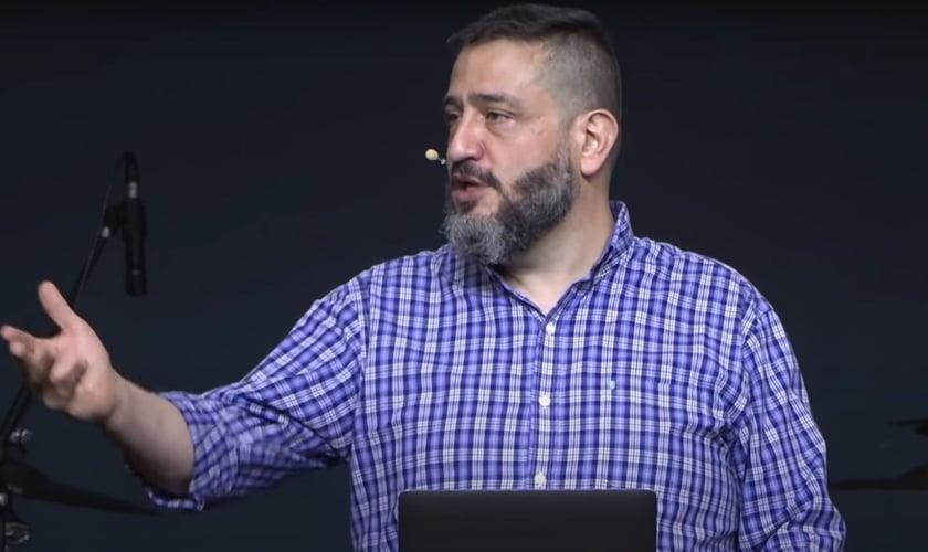 Luciano Subirá. (Foto: Reprodução/YouTube)