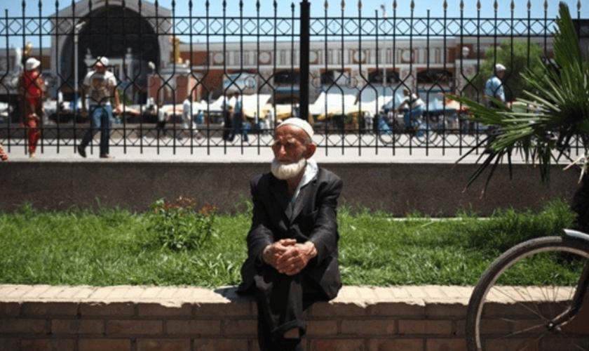 Cristãos no Tajiquistão enfrentam a perseguição dos governantes, dos familiares e da comunidade. (Foto: Portas Abertas)