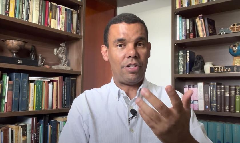 Rodrigo Silva, arqueólogo e historiador. (Foto: Reprodução/YouTube)