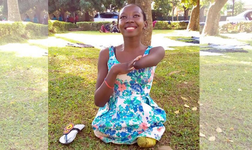 Grace Kyakuwa usa as mídias sociais para falar do Evangelho. (Foto: Reprodução / Facebook)