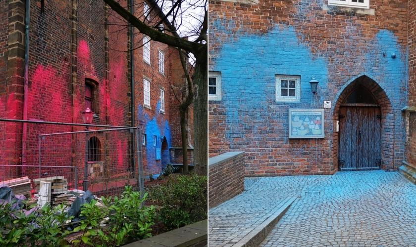 A fachada do prédio da Igreja de São Martini, em Bremen (Alemanha), vandalizada em 7 de março de 2021. (Foto: Reprodução / Facebook)