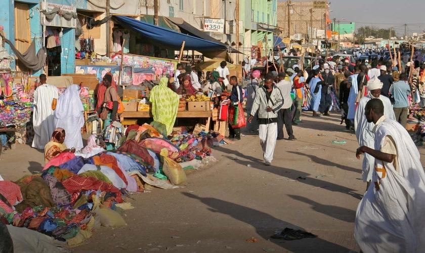Expressar abertamente a fé cristã é arriscado até para os estrangeiros na Mauritânia. (Foto: Portas Abertas)