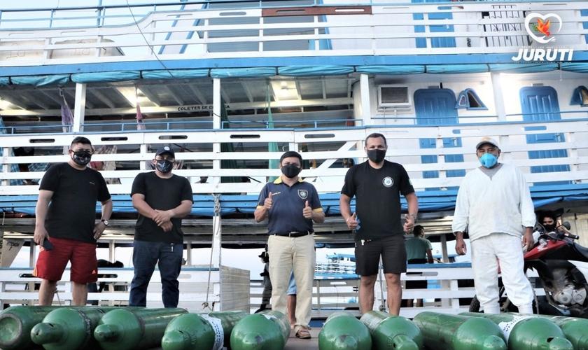 Cilindros de oxigênio foram enviados do Amazonas ao município de Juruti. (Foto: Prefeitura de Juruti / Divulgação)