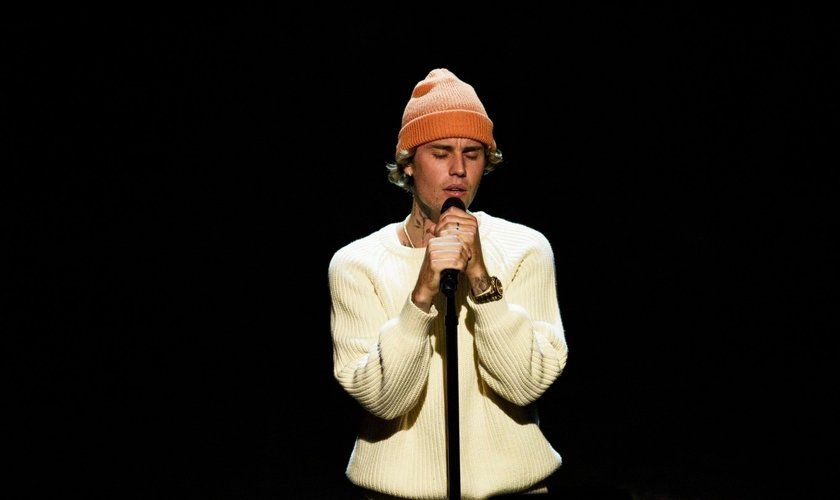 Justin Bieber durante apresentação. (Foto: Will Heath/NBC/NBCU Photo Bank via Getty Images)