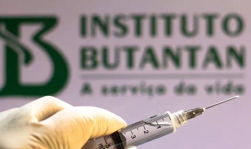 Com a aprovação da Anvisa, instituto estima disponibilizar 40 milhões de doses da 'Butanvac' prontas para uso no fim do ano. (Foto: Rafael Henrique/SOPA Images/LightRocket via Getty Images)