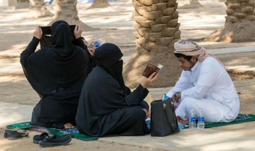 Cristãos sauditas podem pagar um preço considerável se a fé cristã for descoberta. (Foto: Portas Abertas)
