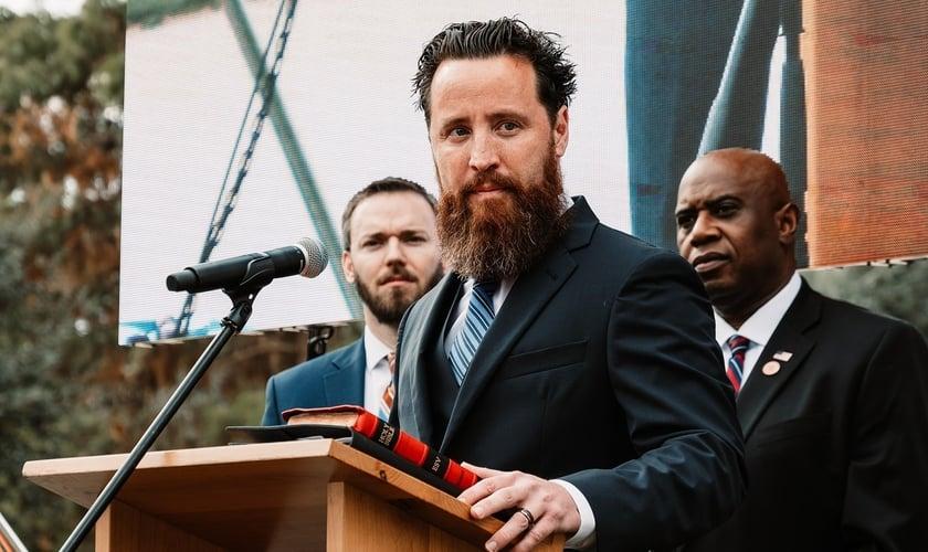 Jeff Durbin é pastor da Igreja da Apologia e ativista antiaborto. (Foto: Reprodução / Facebook)