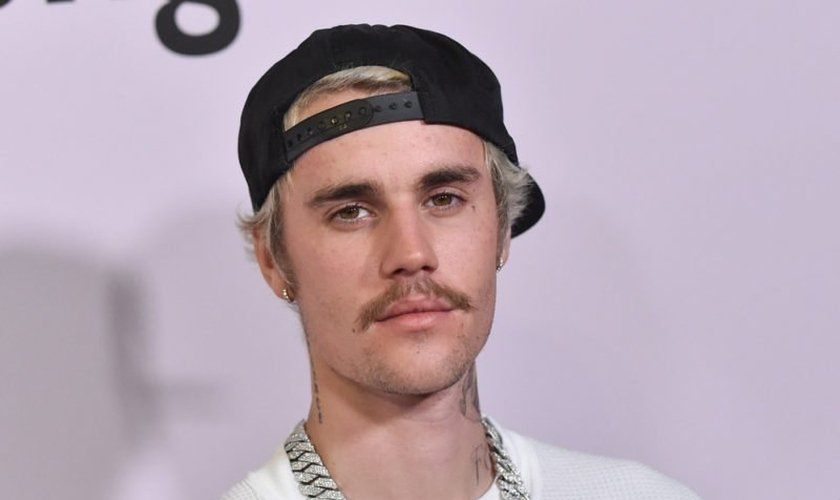 Legenda: Justin Bieber lançou álbum de páscoa neste final de semana. (Foto: Relevant Magazine).