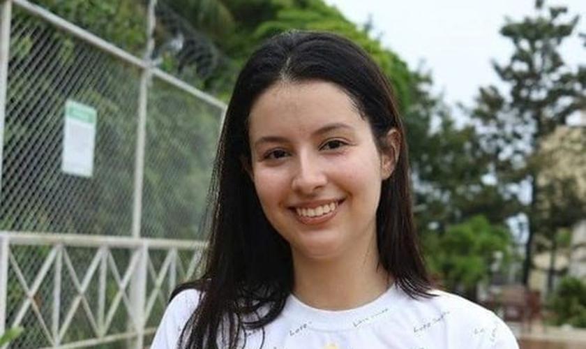Gabriela Traven tirou a nota máxima na redação do ENEM. (Foto: Reprodução).