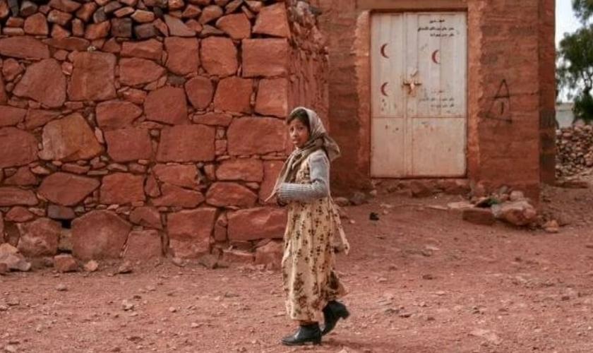 Para punir os cristãos iemenitas, até as meninas podem ser forçadas ao casamento com um muçulmano, já que não existe idade mínima para o matrimônio. (Foto: Portas Abertas)