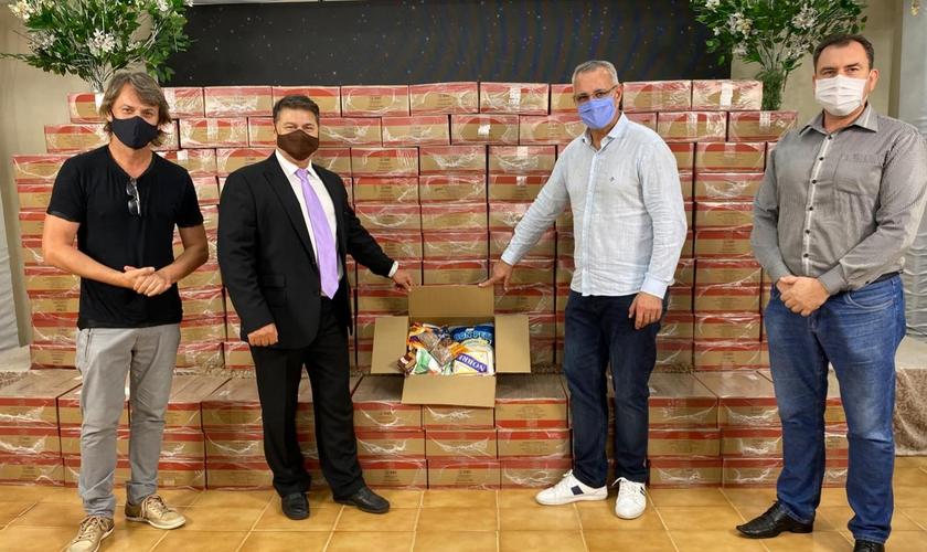 Mais de 150 cestas básicas foram doadas à prefeitura de Santa Maria. (Foto: Ministério Engel)