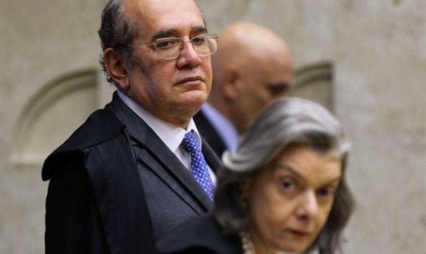 Os ministros Gilmar Mendes e Carmem Lúcia, durante sessão do STF para decidir sobre cultos presenciais durante a pandemia. (Foto: Fabio Rodrigues Pozzebom/Agência Brasil)