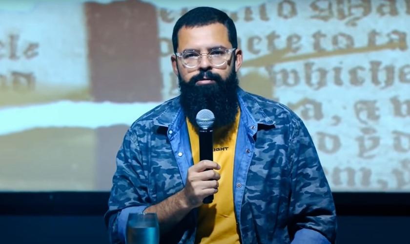 Douglas Gonçalves, líder do movimento JesusCopy. (Foto: Reprodução/YouTube)