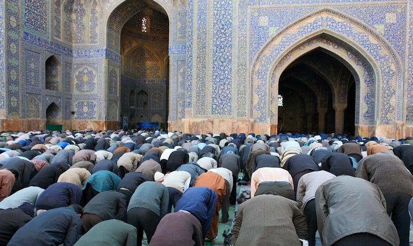 Nos últimos 30 anos, milhares de muçulmanos tem se convertido a Cristo. (Foto: Mathabah Institute).