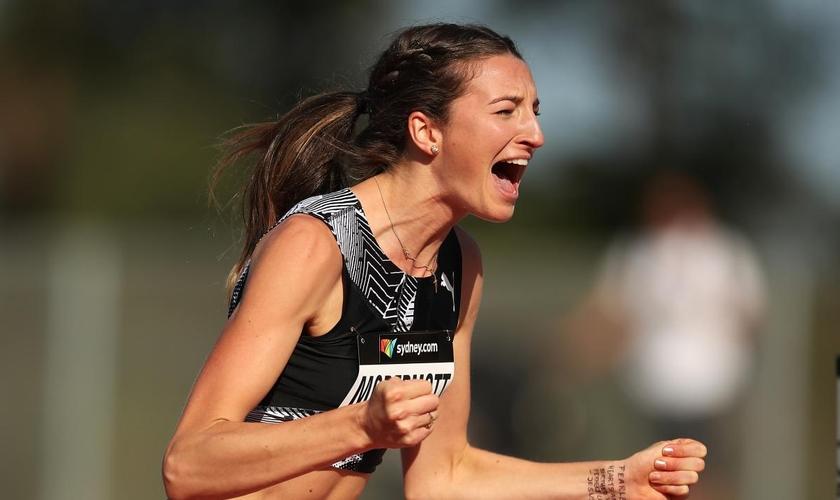 A saltadora australiana Nicola McDermott, logo após quebrar o recorde. (Foto: Reprodução / Getty)