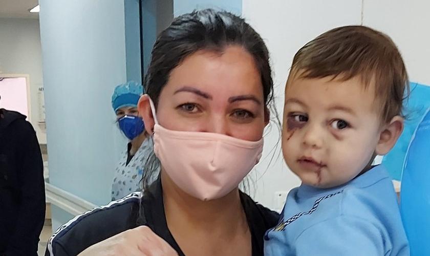 Único sobrevivente do ataque à creche em Saudades (SC) recebe alta no Dia das Mães. (Foto: Alcebíades Santos/HC)