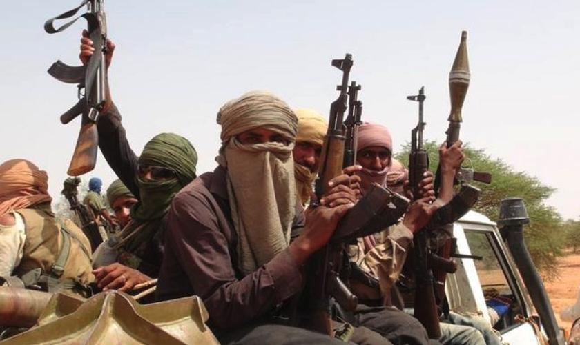 Especialistas estão preocupados com o crescimento de grupos islâmicos radicais em Burkina Faso. (Foto: Reprodução).