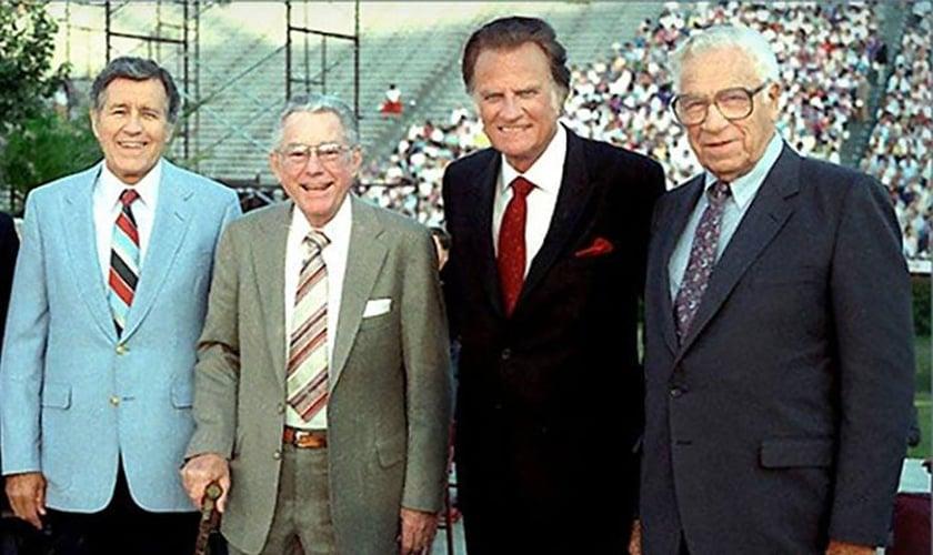 Cliff Barrows, Grady Wilson, Billy Graham e George Beverly Shea. (Foto: Billy Graham Evangelistic Association).