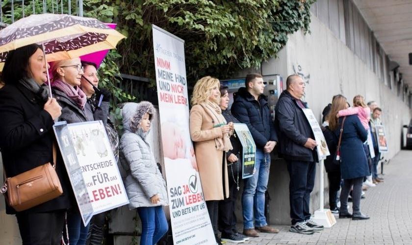Pavica Vojnović participa do evento 40 Dias pela Vida em Pforzheim, na Alemanha. (Foto: ADF International)