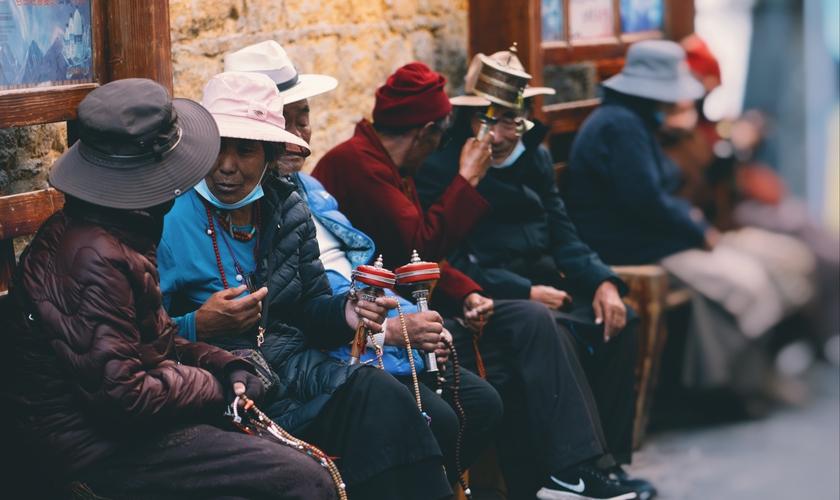 Um terço da população mundial ainda não tem acesso a Bíblia, a Igreja e a outros cristãos. (Foto: Alliance for the Unreached).