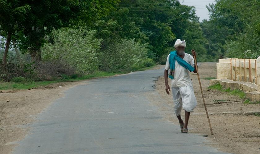 Rohit percorreu mil km evangelizando todos que encontrava pelo caminho. (Foto: e3 Partners).