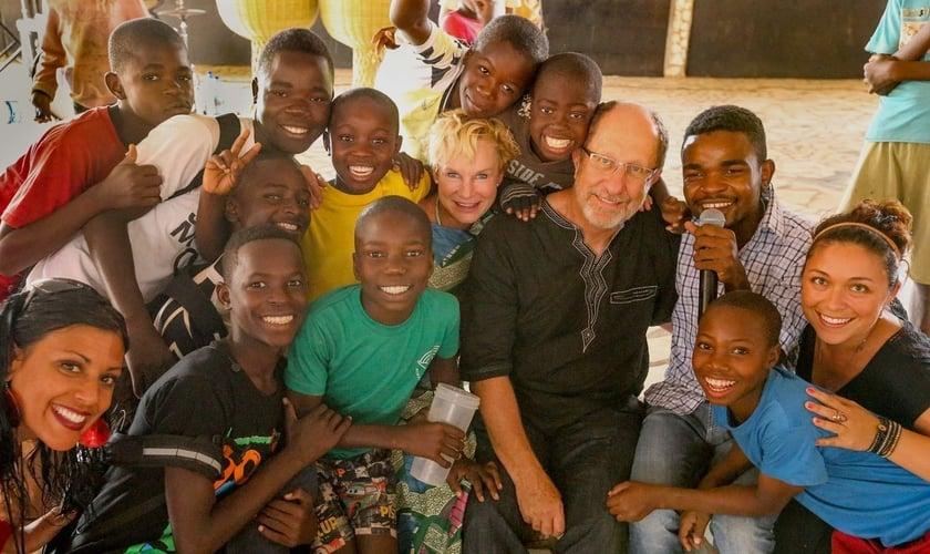 Evangelista americana mora em Moçambique há mais de 25 anos e vê de perto as atrocidades cometidas por terroristas islâmicos.