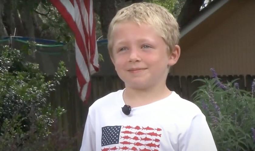 Chase Poust, de 7 anos, salvou sua família de acidente. (Foto: WJXT)
