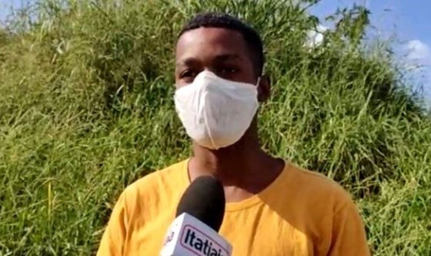 O homem confessou ter assaltado os cristãos no monte e afirmou estar arrependido. (Foto: Rádio Itatiaia).