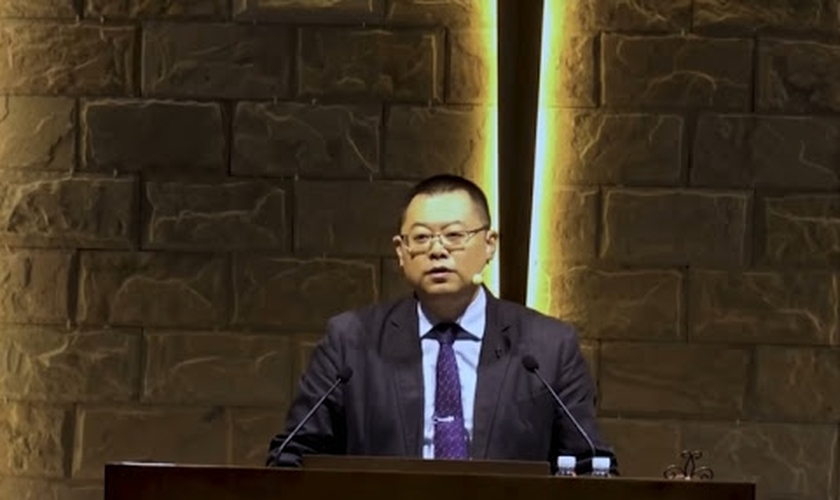 O pastor Wu Wuqing, um dos líderes da Igreja local Early Rain Covenant na China, foi trancado junto com a família na própria casa. (Foto: ERCC).