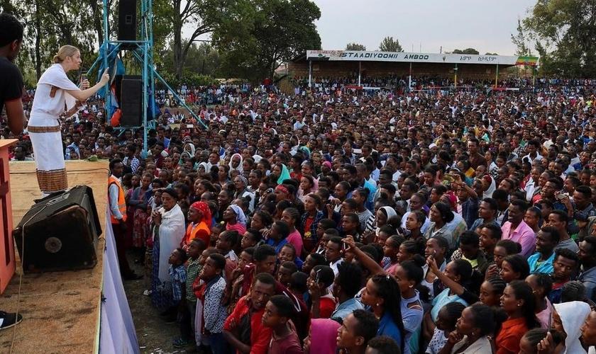 Cruzada de In His Name em Ambo, na Etiópia. (Foto: Reprodução / Instagram)