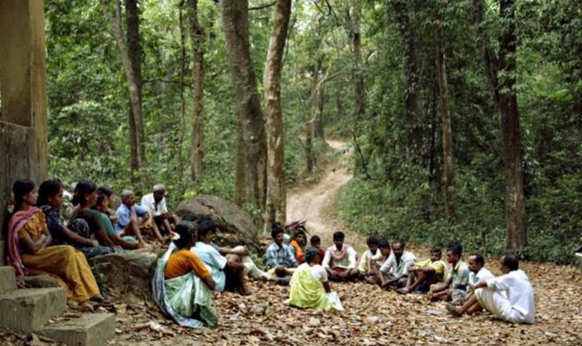 Cristãos fogem para floresta após terem suas casas destruídas por hindus. (Foto representativa/The Hindu)